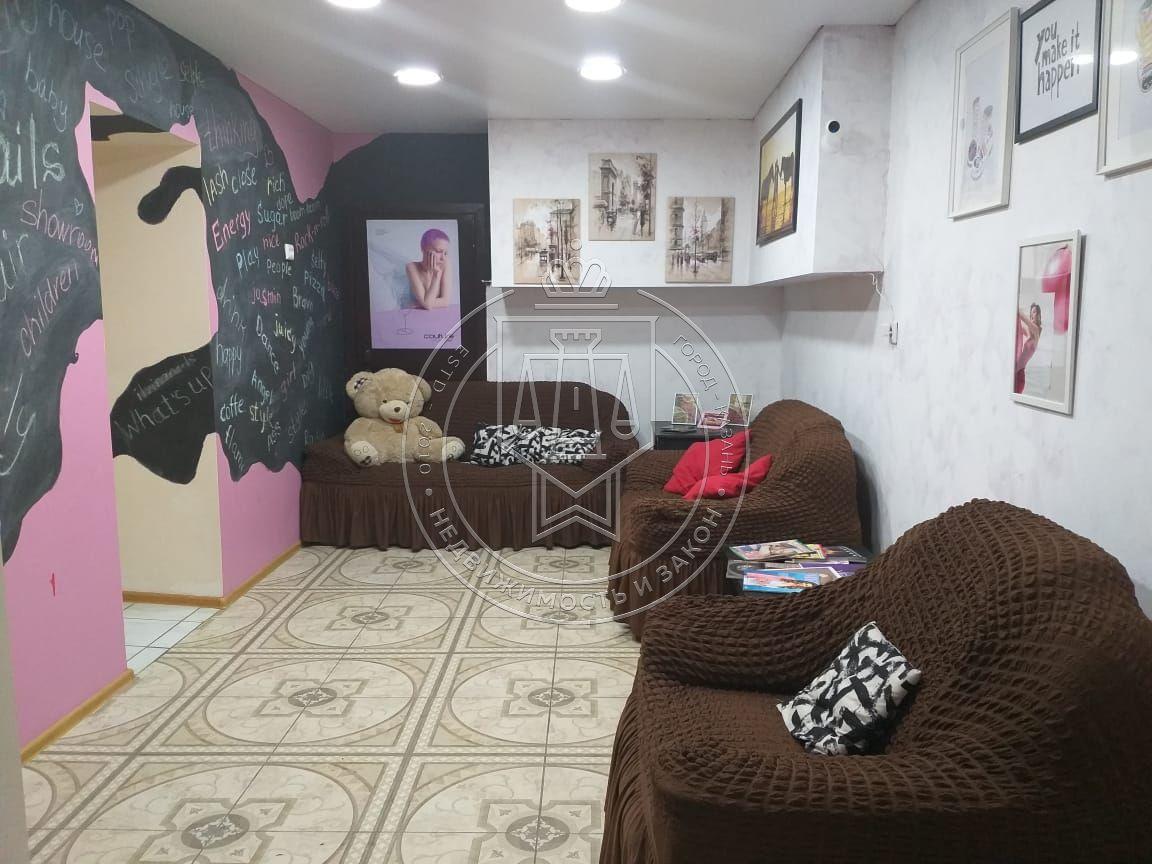 Продажа  помещения свободного назначения Баки Урманче ул, 8