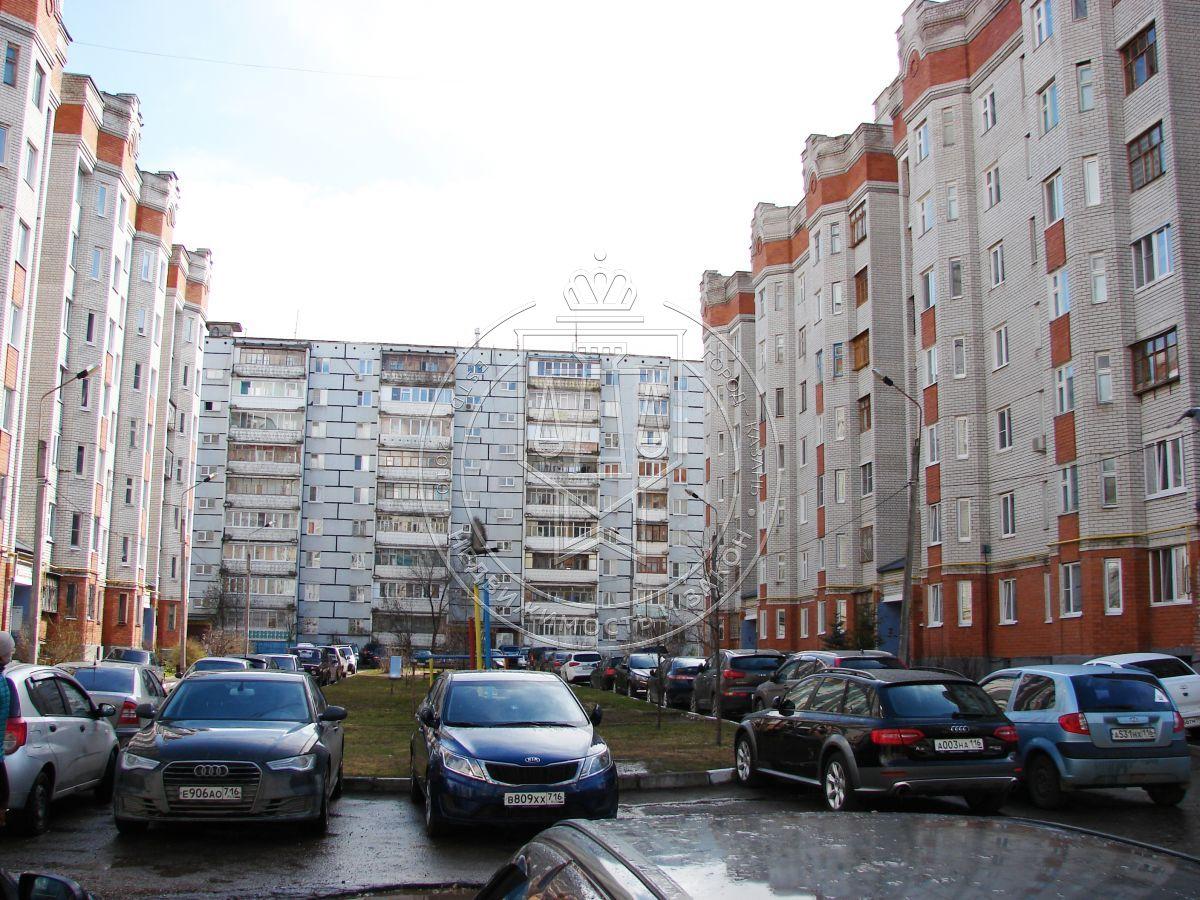 Продажа 2-к квартиры Комиссара Габишева ул, 25Б
