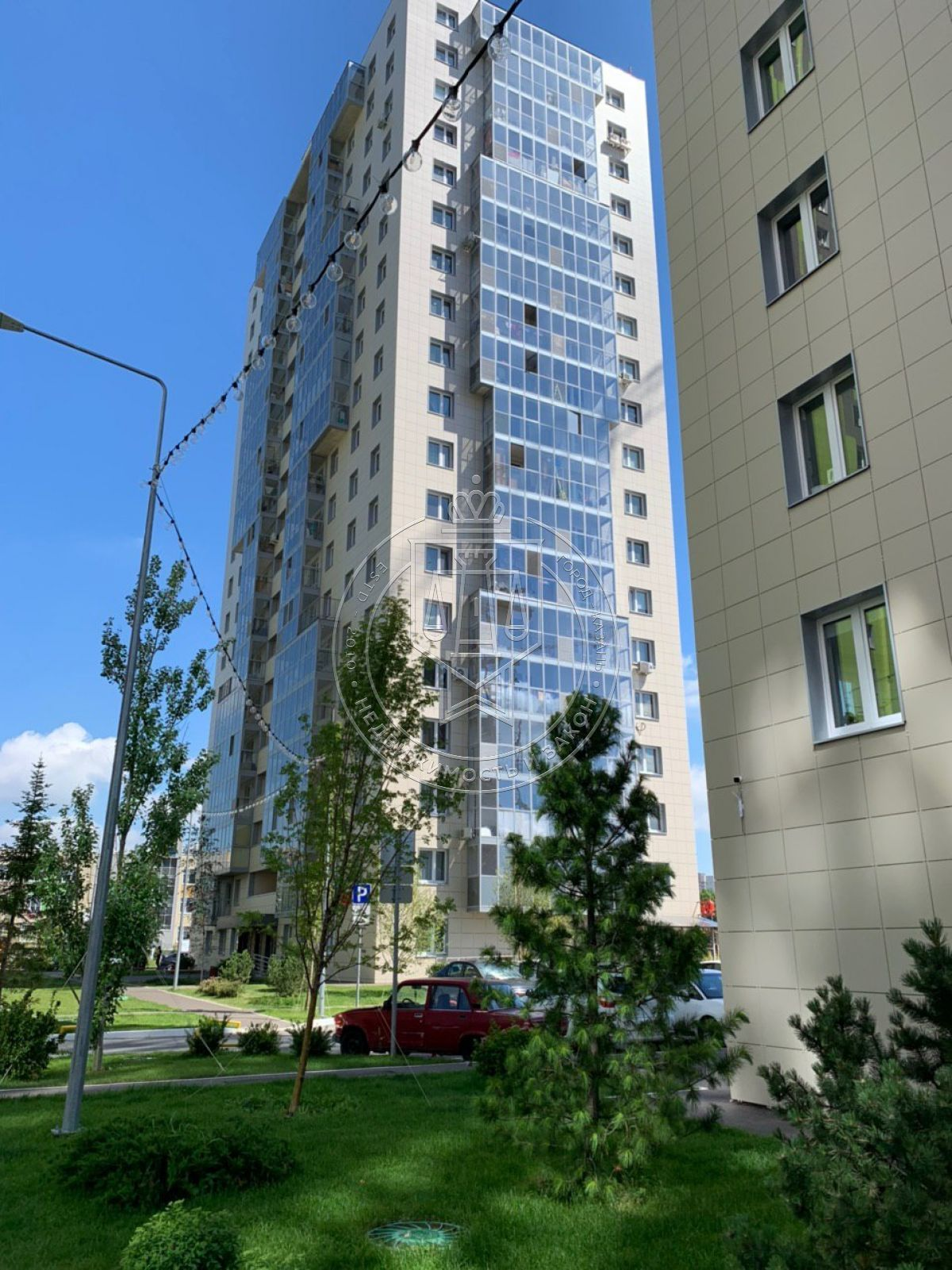 Продажа 3-к квартиры Рауиса Гареева ул, 2.4 Каштан