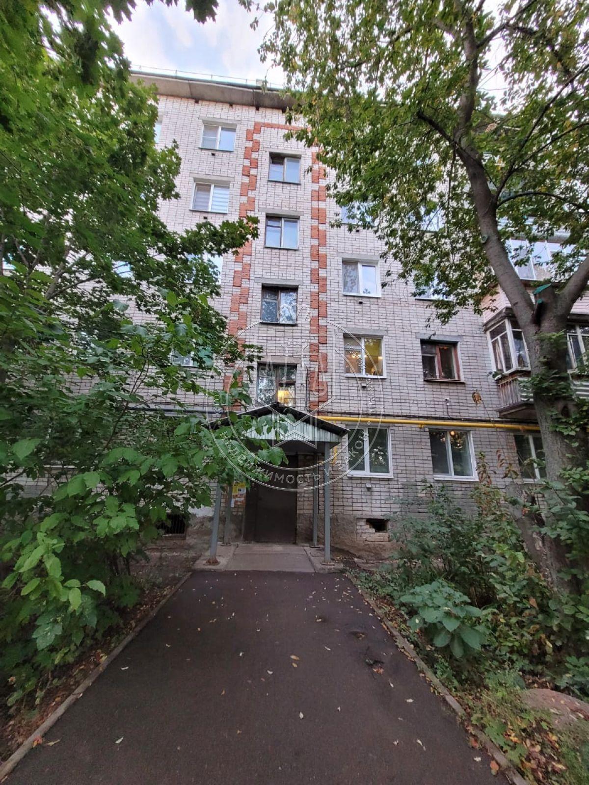 Продажа 4-к квартиры Поперечно-Базарная ул, 72