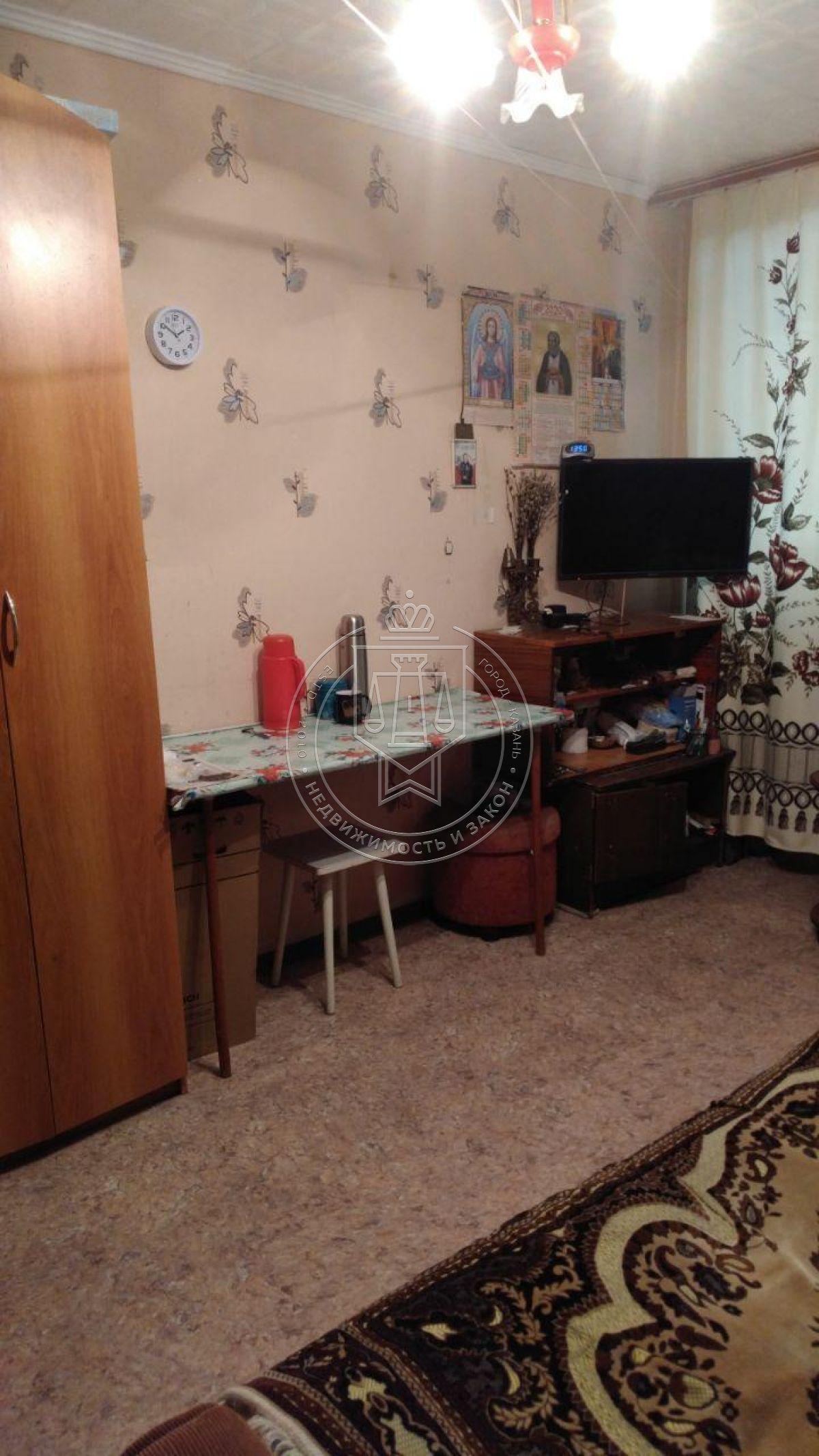 Продажа  комнаты Космонавтов ул, 24